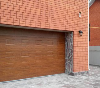 Автоматические гаражные секционные ворота подъемные Дорхан 4300*2500