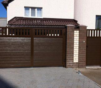 Распашные ворота из сендвич панелей Дорхан 3300*2400 с автоматикой
