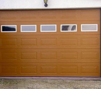 Подъемные гаражные ворота секционные Дорхан 4600*2400 с приводом и окнами
