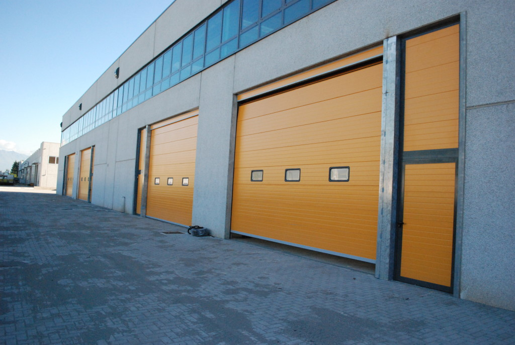 Ворота для склада подъемные автоматические Дорхан 5500*4200