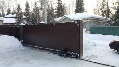 Ворота Дорхан уличные откатные в алюминиевой раме с сендвич панелью с электроприводом