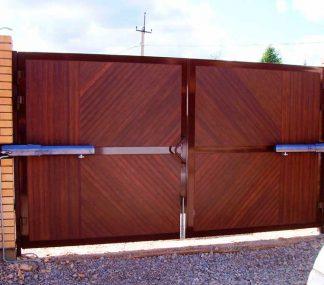Распашные ворота из сендвич панелей DoorHan 3400*2400 с автоматикой