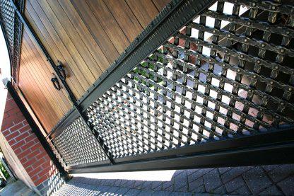 Ворота деревянные с ковкой 5