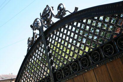 Ворота деревянные с ковкой 10